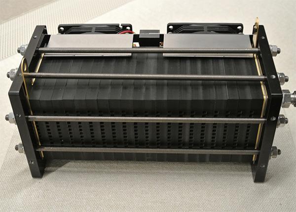移動機器搭載式小型軽量化燃料電池